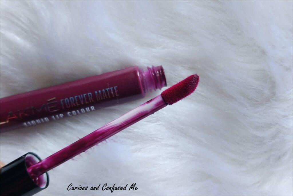 Lakme liquid lipstick review, Lakme wine glow shade, Lakme wine glow